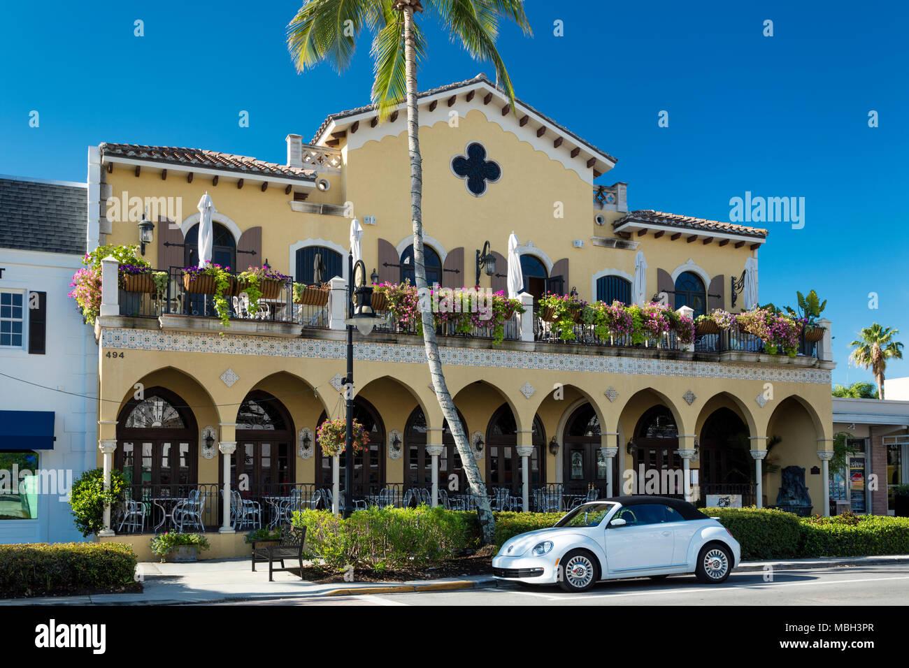 Cafe Lurcat - Fine Dining Restaurant 5th Avenue entlang, Naples, Florida, USA Stockbild