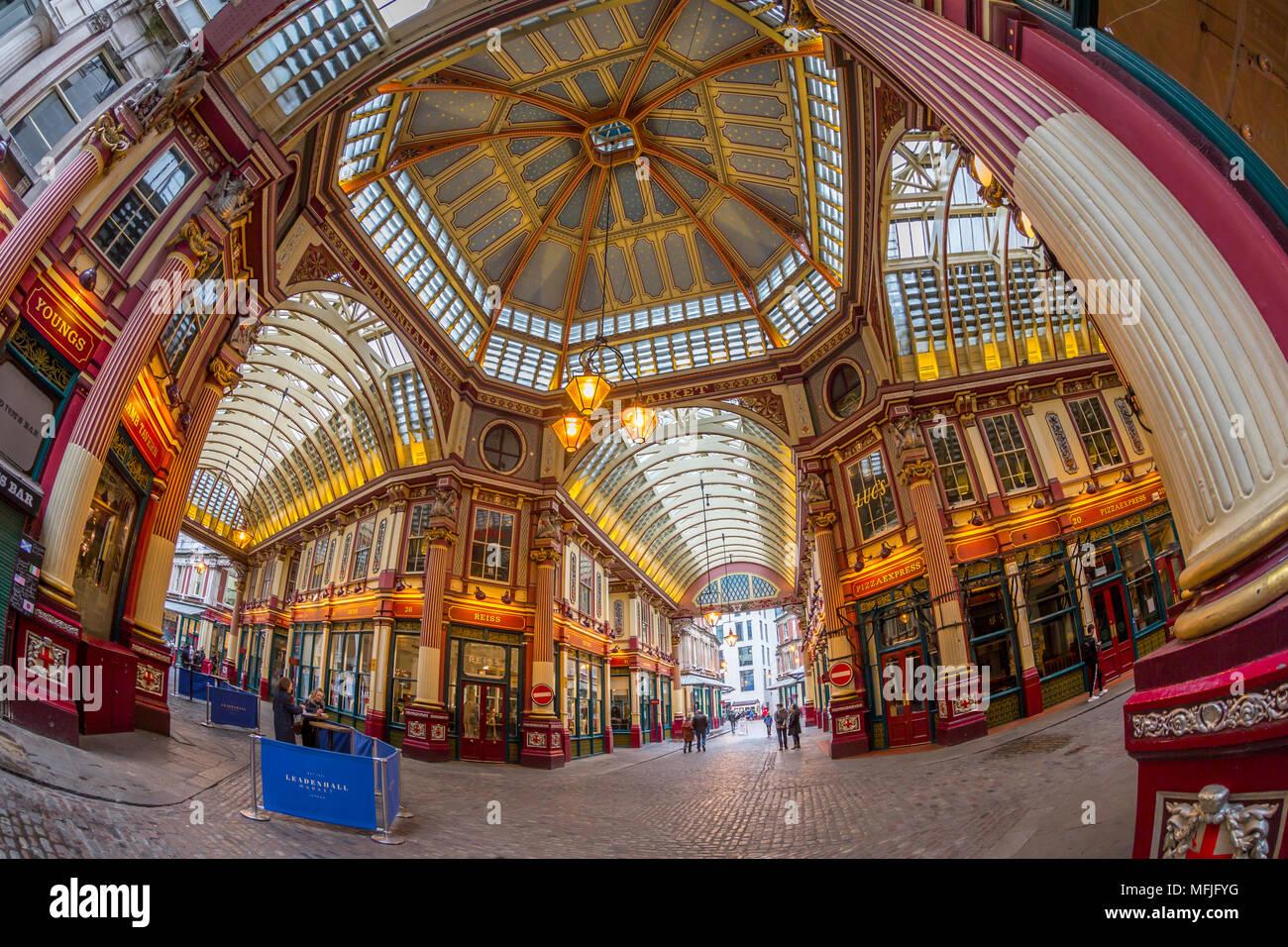 Fischaugenobjektiv Interieur des Leadenhall Market, die Stadt, London, England, Vereinigtes Königreich, Europa Stockbild
