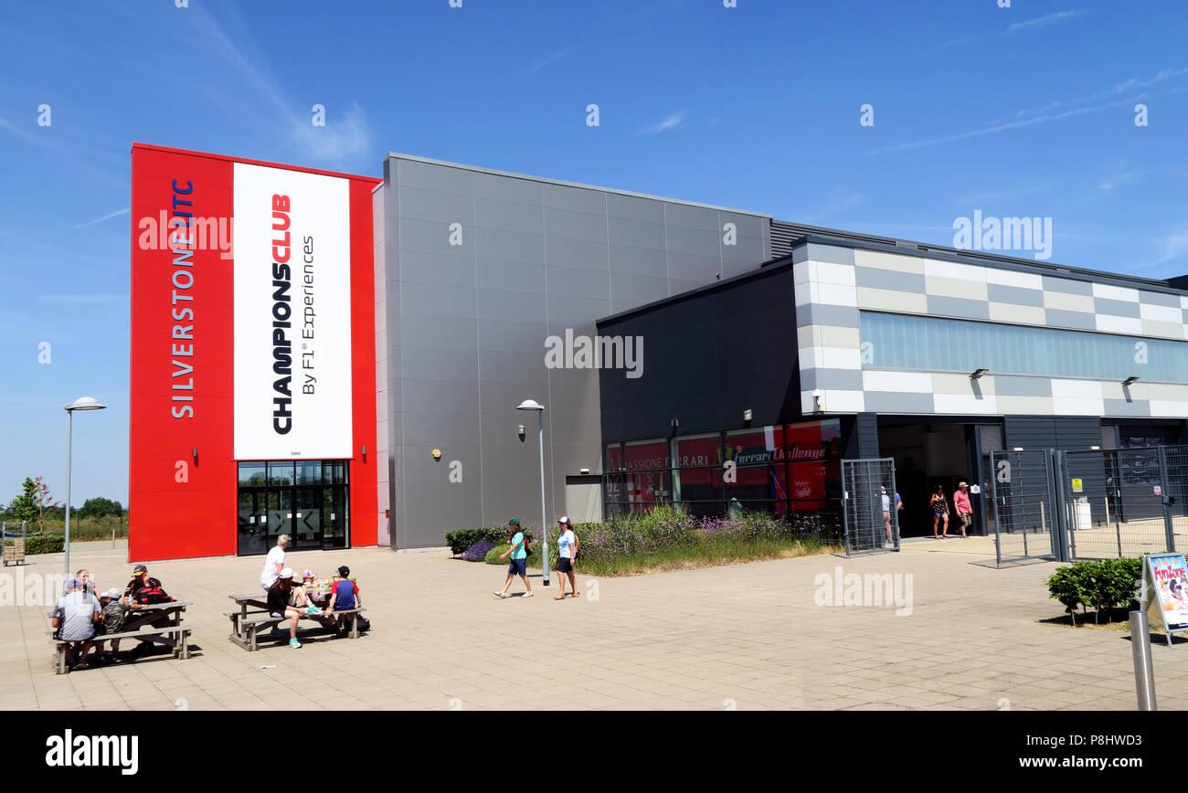 Dieses Stockfoto: Silverstone UTC ChampionsClub, F1 Erfahrungen Technology Center, Silverstone Circuit, Silverstone, Towcester, Northamptonshire, UK, NN12 8TL - P8HWD3