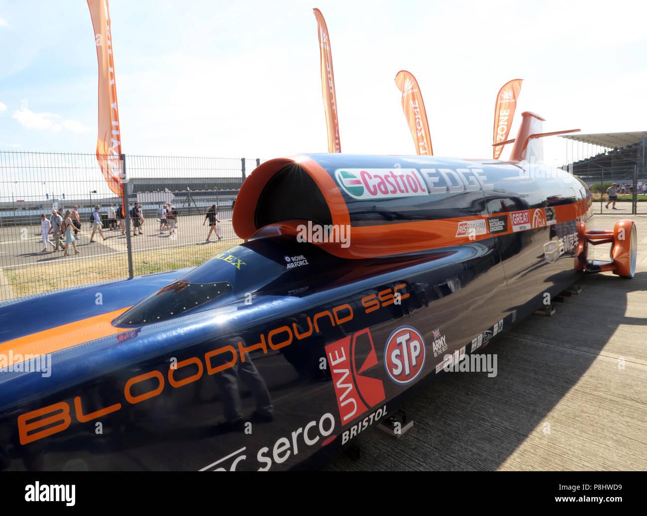 Dieses Stockfoto: Bloodhound SSC jet Auto, jetzt LSR, British supersonic Fahrzeug zu Land, in Silverstone Rennstrecke, UTC, Silverstone, Towcester, England, NN12 8TL - P8HWD9