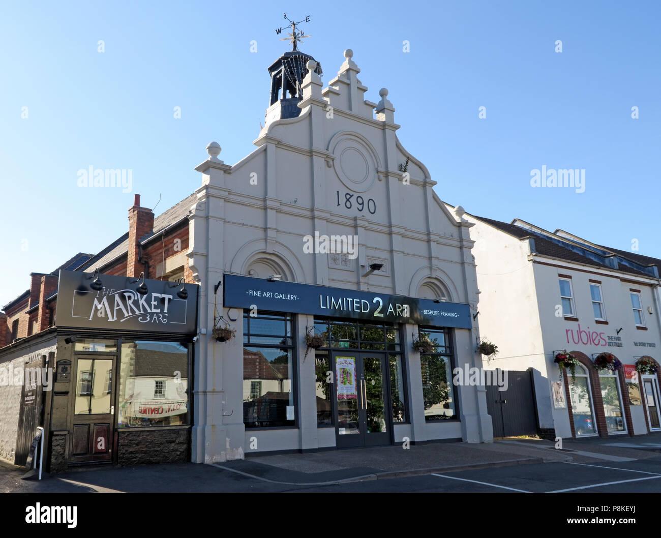 Dieses Stockfoto: Ehemaliges Rathaus, Lerwick, mit verzierten Stufengiebel, führen plattiert Kuppel von einer Wetterfahne gekrönt, Doncaster, South Yorkshire, England, UK, DN 10 - P8KEYJ