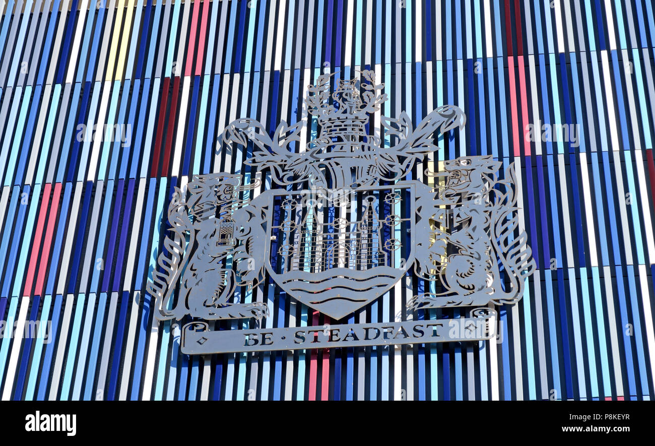 Dieses Stockfoto: Standhaft, Doncaster Rat Mantel der Arme auf städtischen Gebäuden, Waterdale, bürgerlichen Viertel, South Yorkshire, England, UK, DN1 3BU - P8KEYR