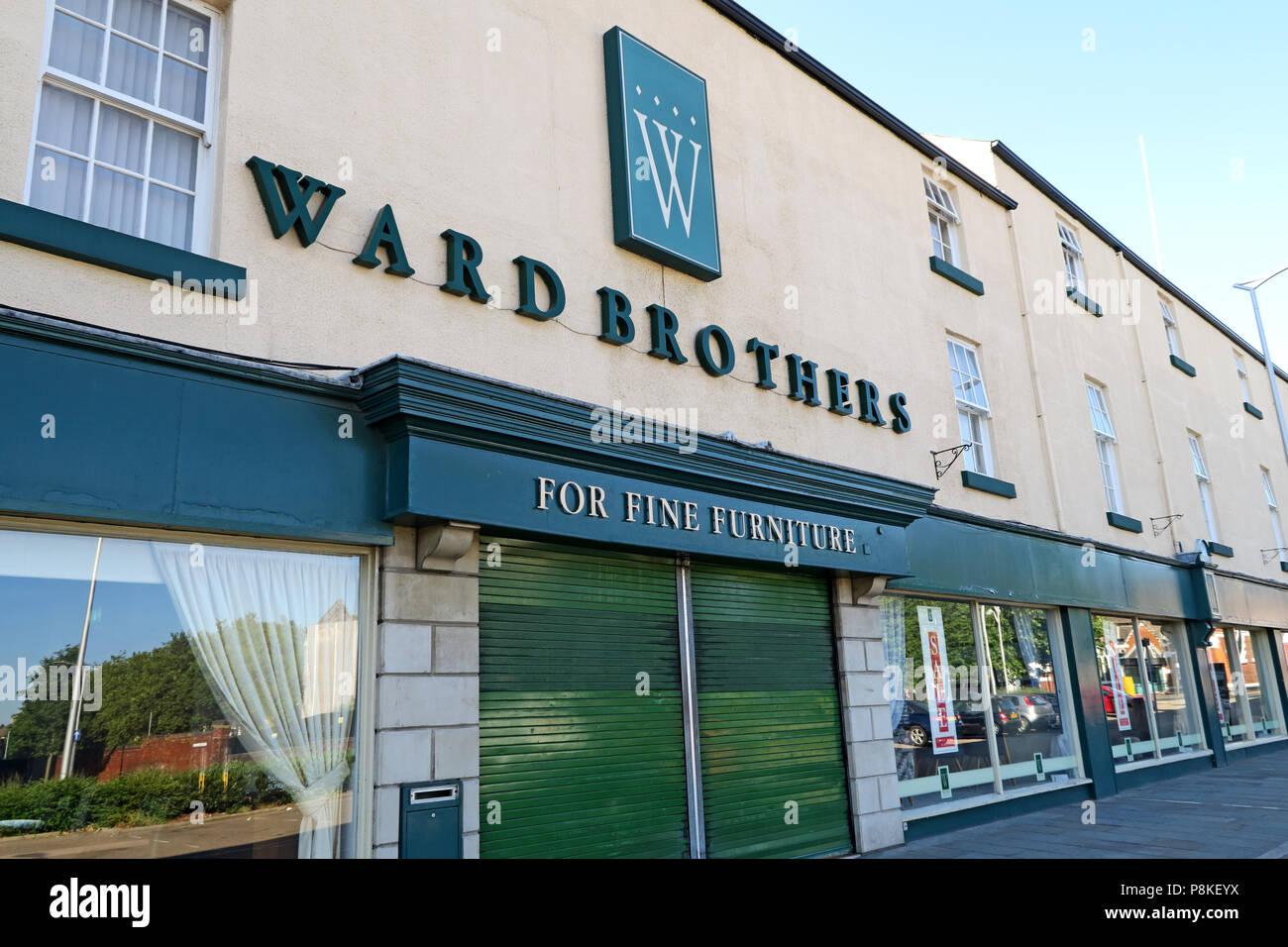 Dieses Stockfoto: Ward Brüder Möbelhaus, Doncaster, 29-40 Waterdale, Doncaster, Yorkshire, England, UK, DN1 3EY - P8KEYX