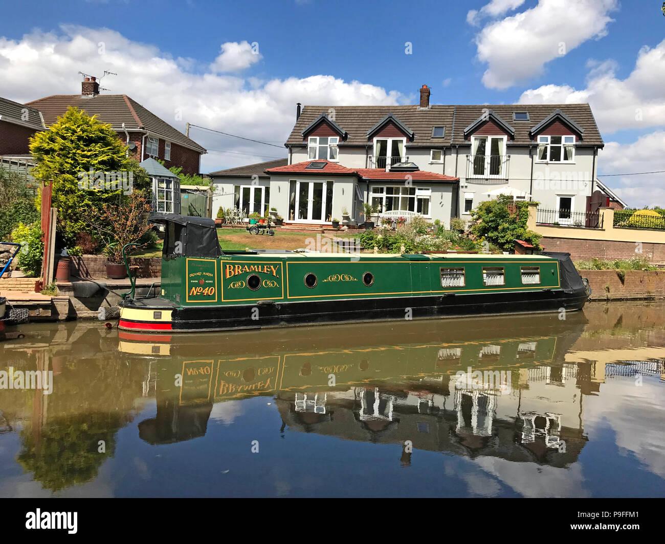 Laden Sie dieses Alamy Stockfoto Trent und Mersey Canal, Anderton, Northwich, Cheshire Ring, North West England, UK-15-04, Aufsch. - P9FFM1
