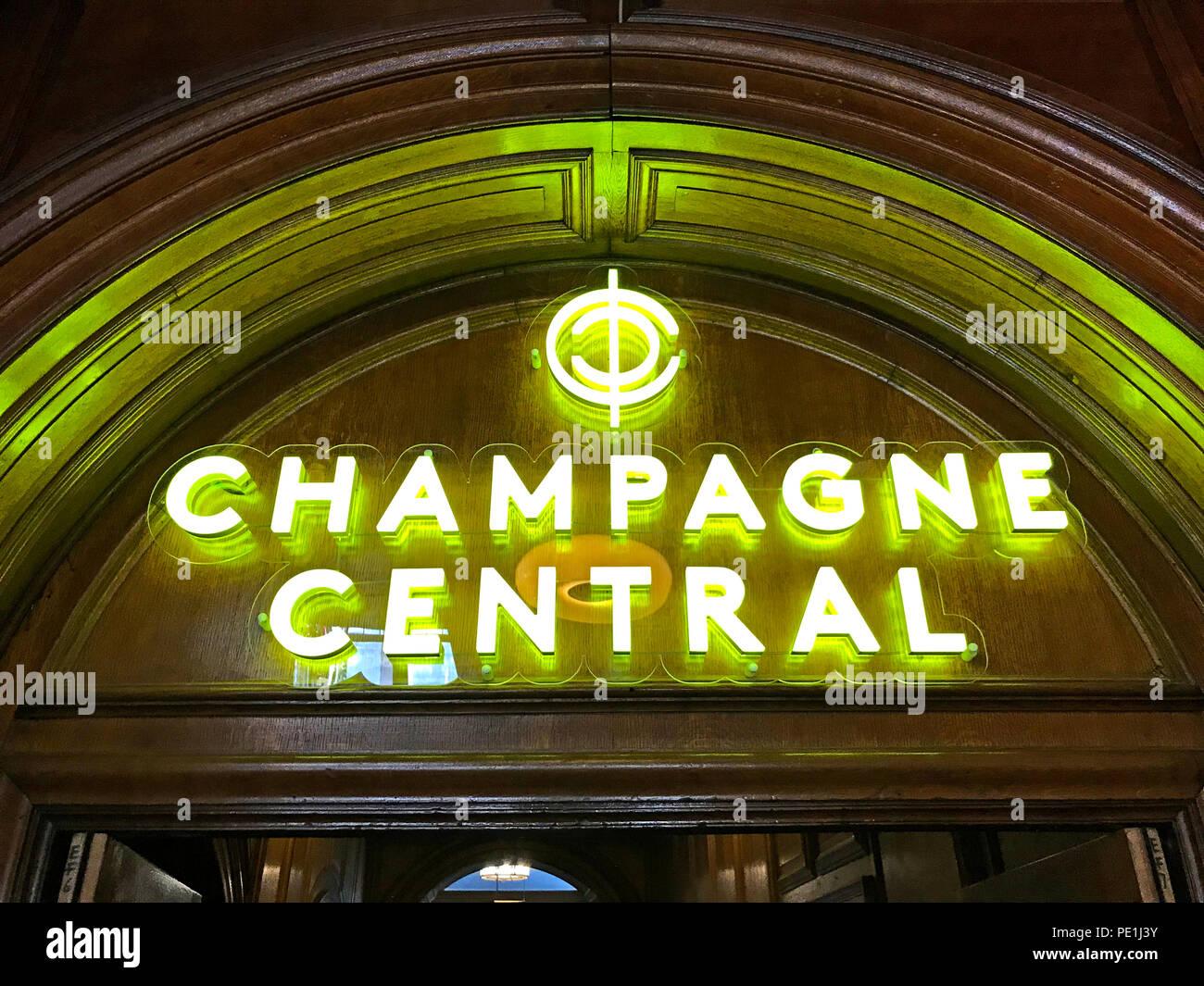 Laden Sie dieses Alamy Stockfoto Champagner Central, Central Station, Glasgow, Gordon St, Gordon Street, Schottland, pub, Bar - PE1J3Y