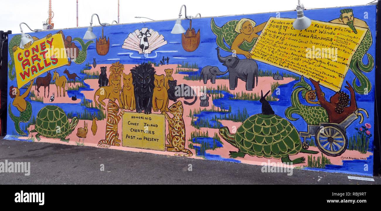 Laden Sie dieses Alamy Stockfoto Coney Wände Kunst - Seaside Kreaturen - Coney Island Seaside - Brooklyn, New York, NY, USA - RBJ9RT