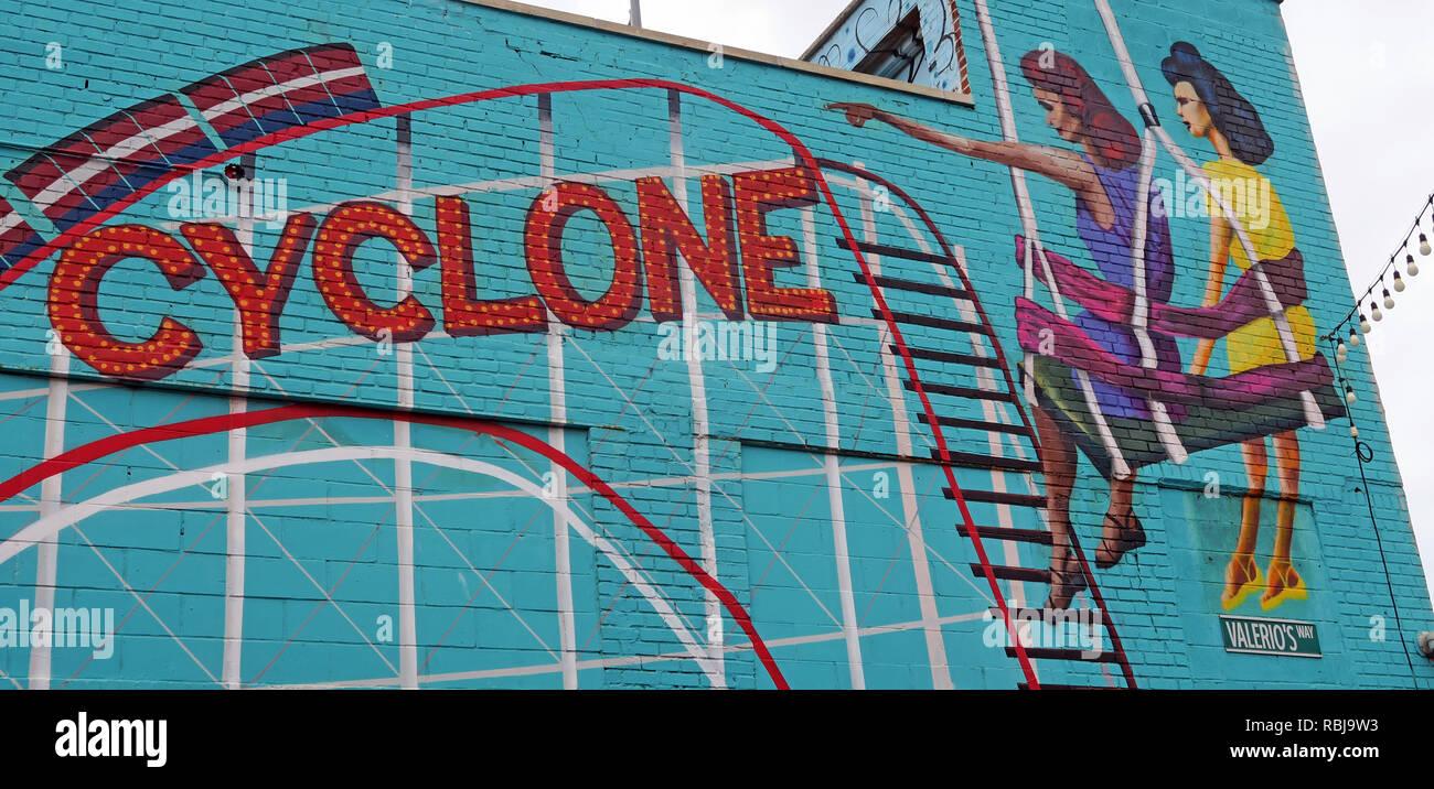 Laden Sie dieses Alamy Stockfoto Coney Island Cyclone fahrt Wandbild, Brooklyn, New York, NY, USA - RBJ9W3