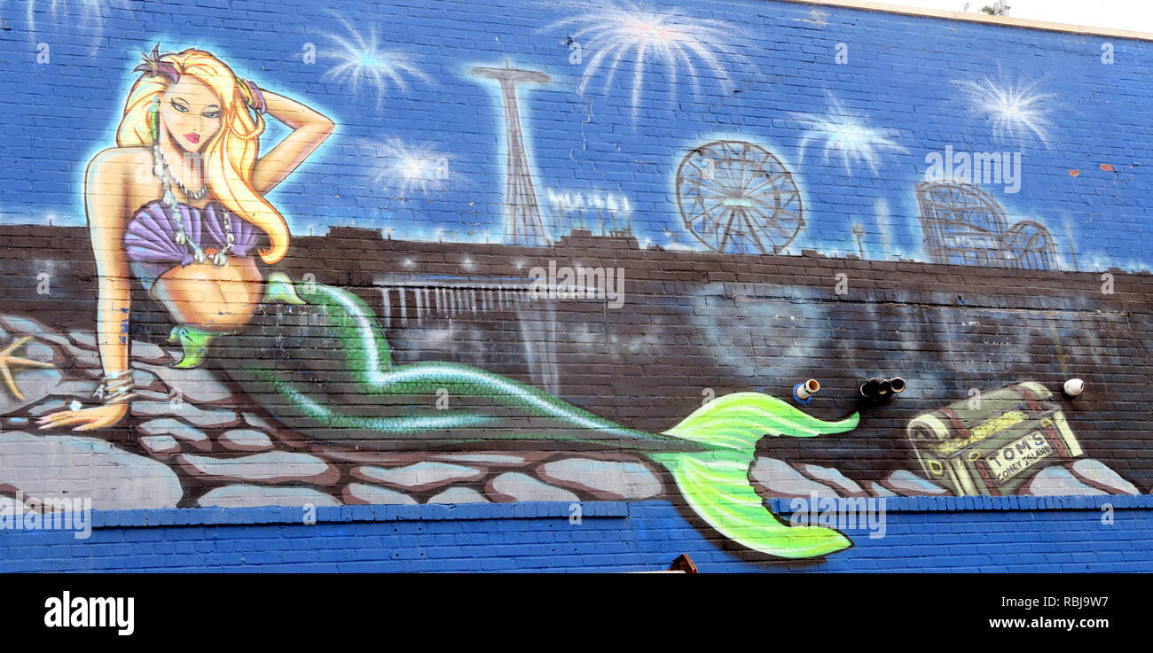 Laden Sie dieses Alamy Stockfoto Mermaid Grafik auf Coney Island Theme Park, Brooklyn, New York City, NY, USA - RBJ9W7
