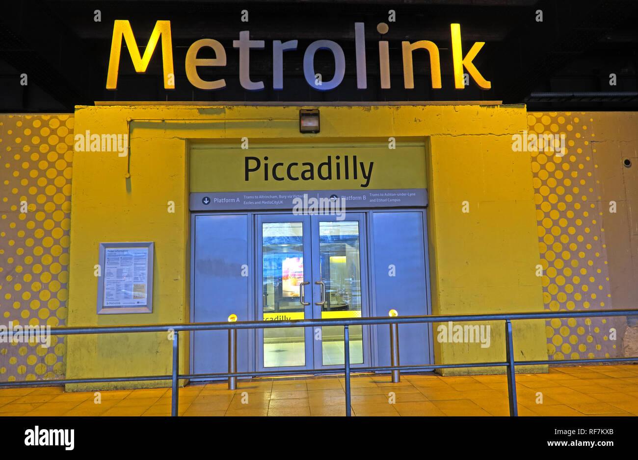 Laden Sie dieses Alamy Stockfoto Piccadilly Manchester Metrolink Tram Interchange, Fairfield, Street, Manchester, M1 2QF - RF7KXB
