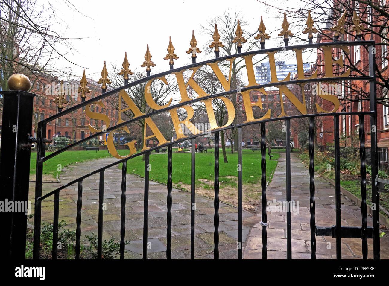 Laden Sie dieses Alamy Stockfoto Sackville Gärten Tore, Canal Street, Manchester M1 3HB - RFF5XF