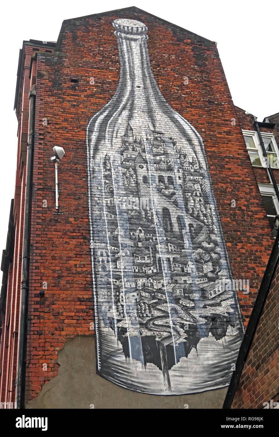 Laden Sie dieses Alamy Stockfoto Esher Kunst Flasche, Cross Keys St, Manchester NQ4, North West England, UK, M 4 5 ET - RG98JK
