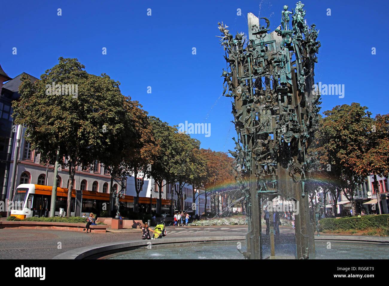 Laden Sie dieses Alamy Stockfoto Karneval Brunnen, Fastnachtsbrunnen, Landeshauptstadt, Schillerpl., 55131 Mainz, Deutschland, Europa - RGGE73