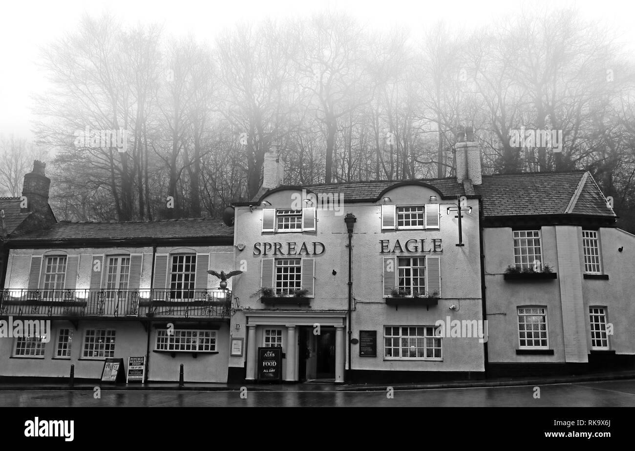 Laden Sie dieses Alamy Stockfoto Der Spread Eagle Pub, Eagle Braue, Lymm, 47 Eagle Brow, Warrington WA13 0AG - RK9X6J