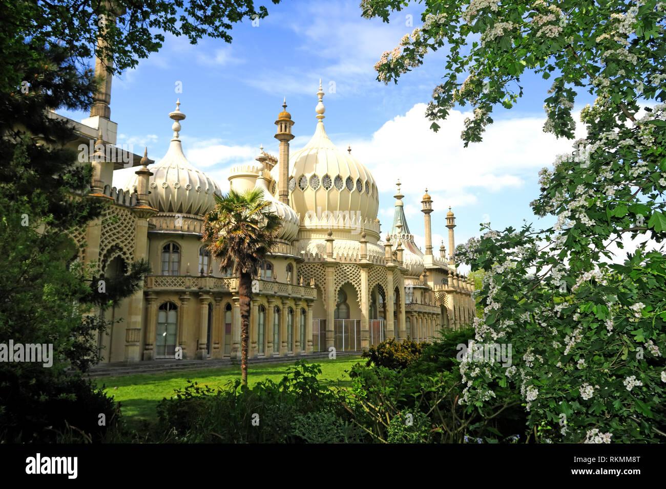 Laden Sie dieses Alamy Stockfoto Den Royal Pavillion, Brighton, East Sussex, England, UK, BN1 1EE - RKMM8T
