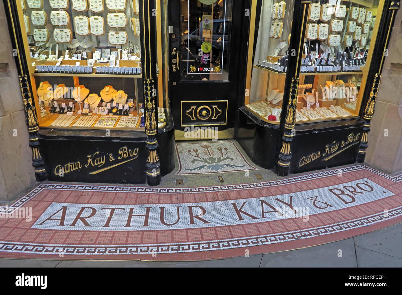 Laden Sie dieses Alamy Stockfoto Arthur Kay & Bros, Juweliere Shop, 2 New Market, Manchester, North West England, UK, M 1 1 PT - RPGEPH
