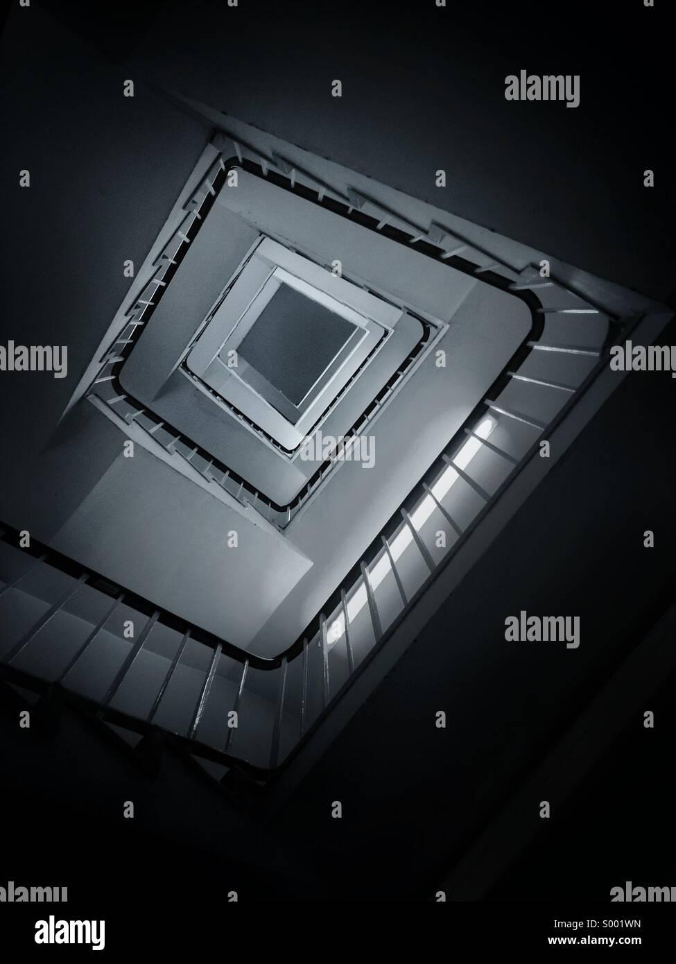 Abstrakte Ansicht der Wendeltreppe. Stockbild