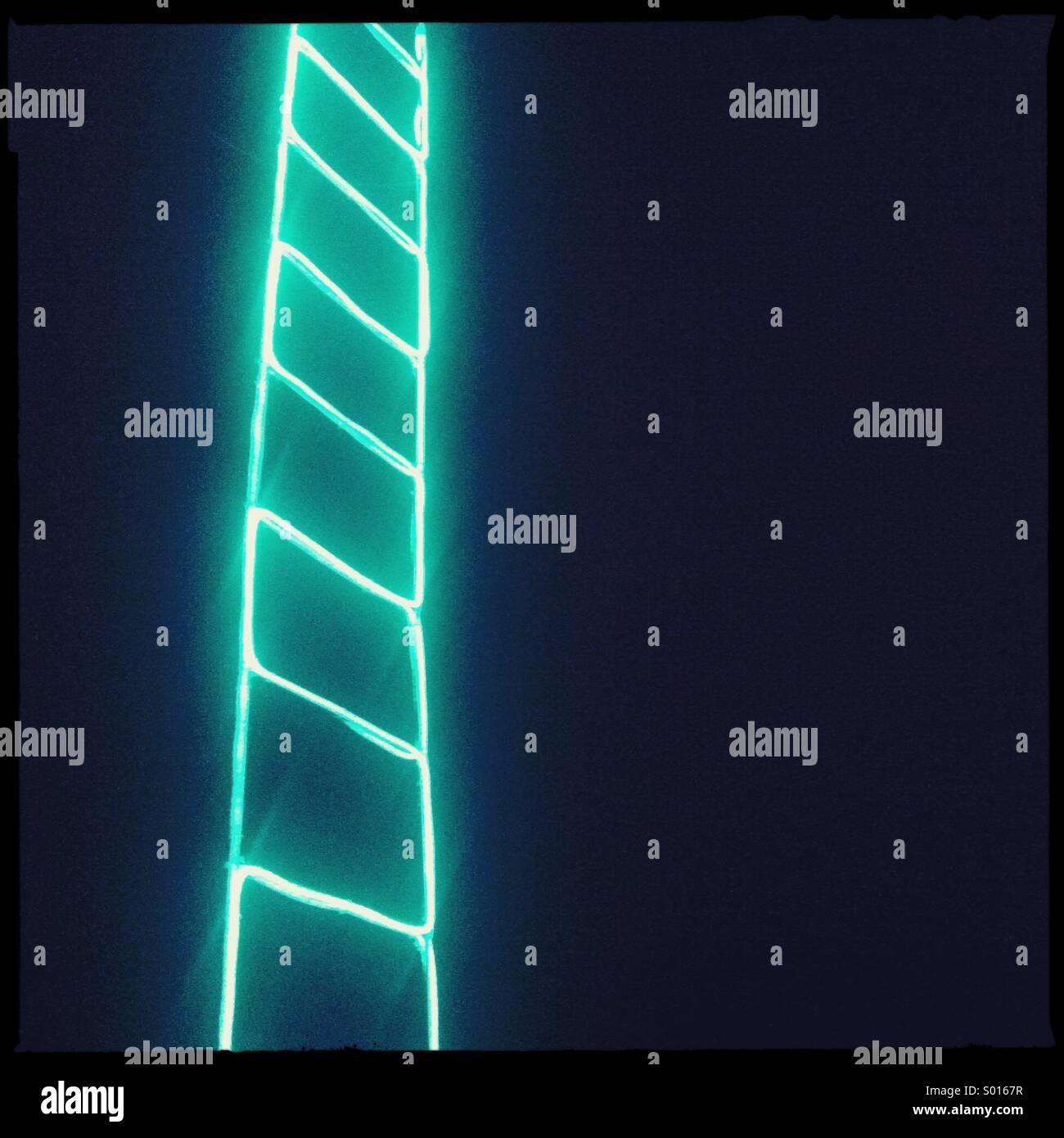 Grüne LED Leiter auf schwarzem Hintergrund Stockbild