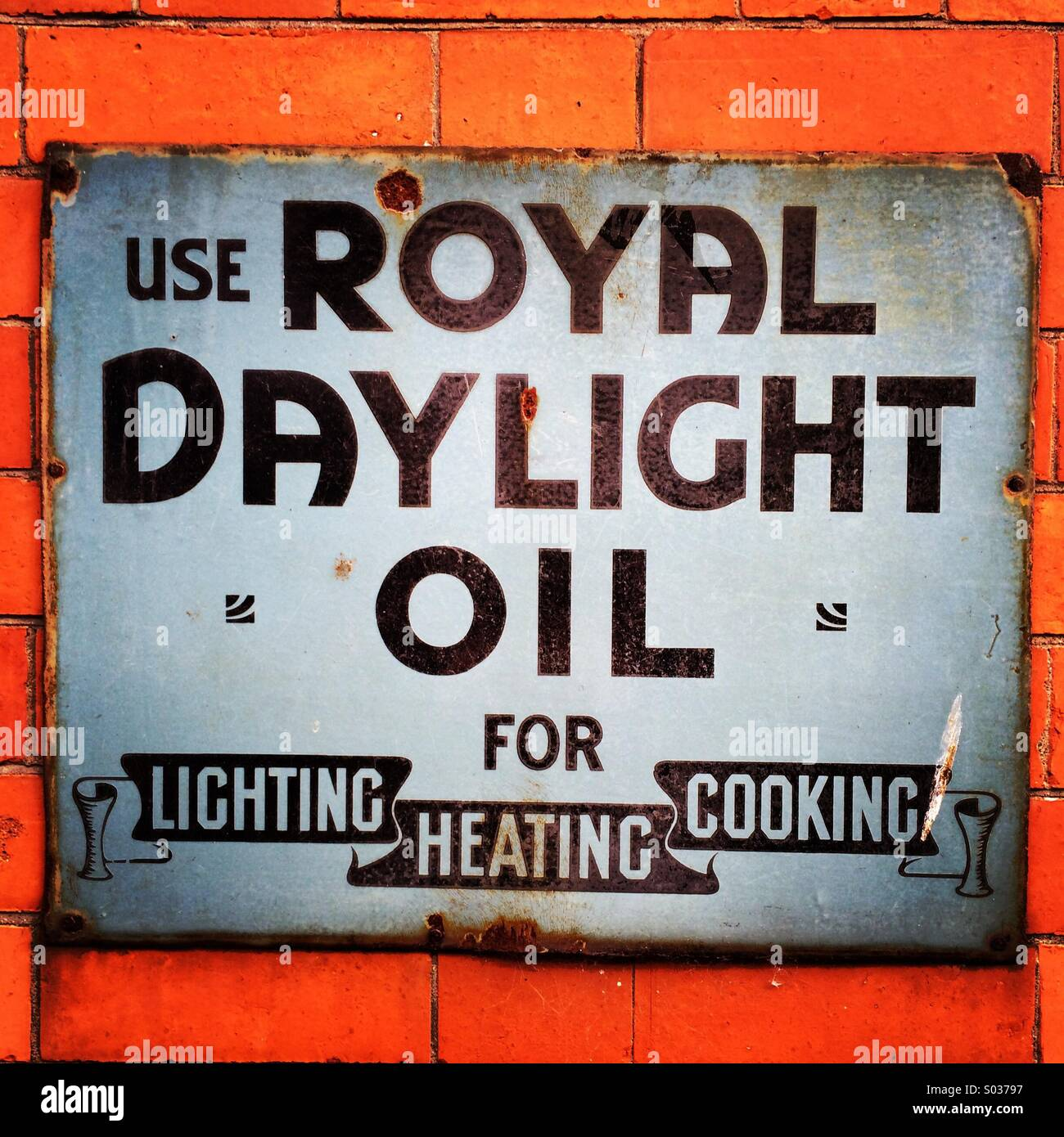 Königliche Tageslicht Öl authentische Wand Werbung. Stockbild