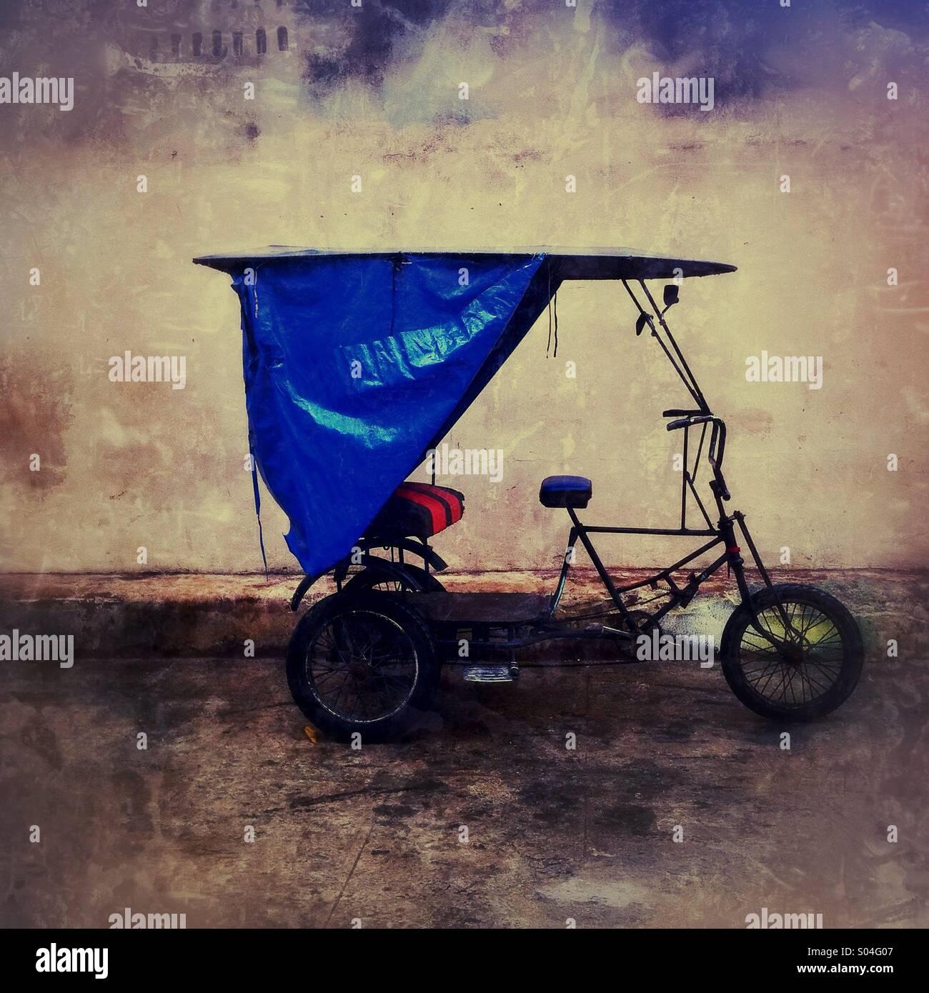Fahrrad-Taxi in Havanna, Kuba Stockbild