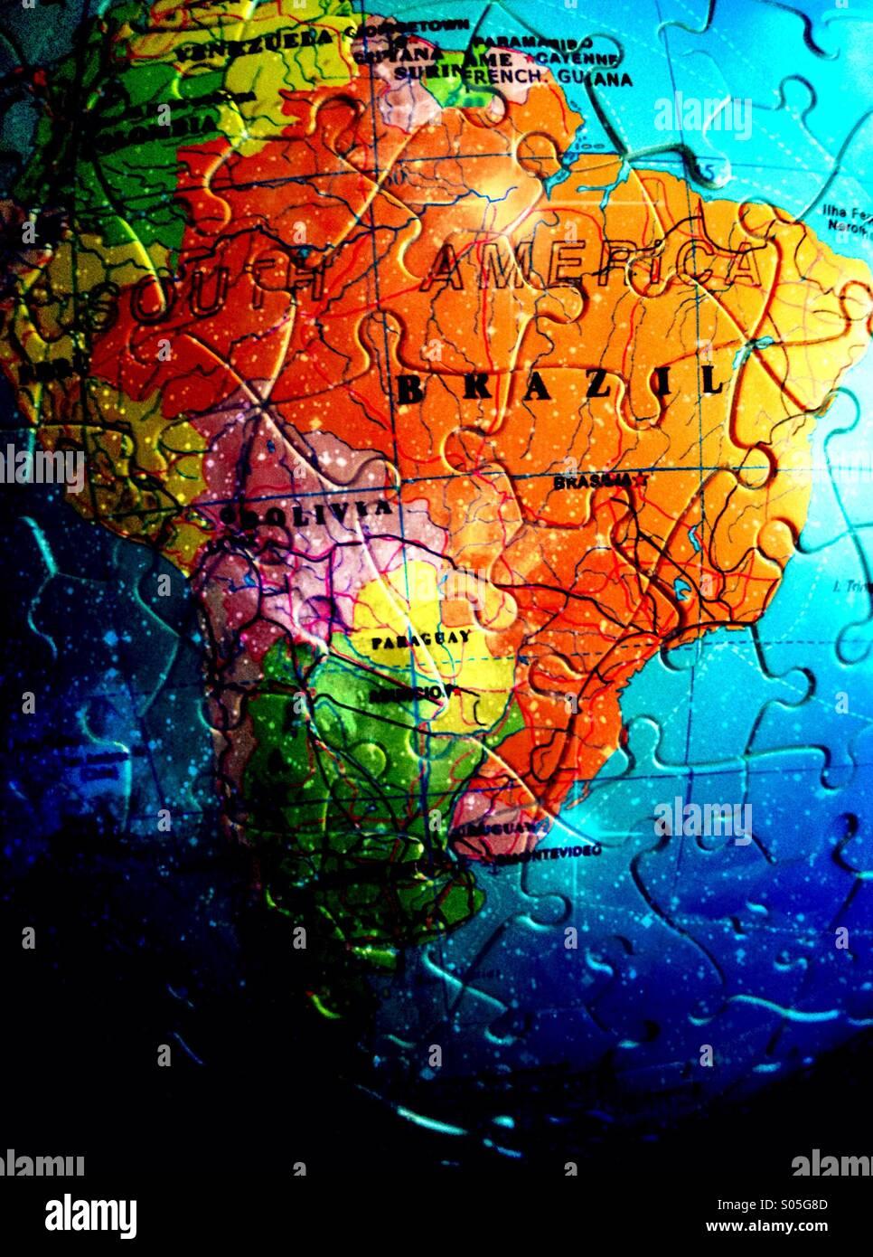 Karte von Brasilien in Puzzleteile Stockbild