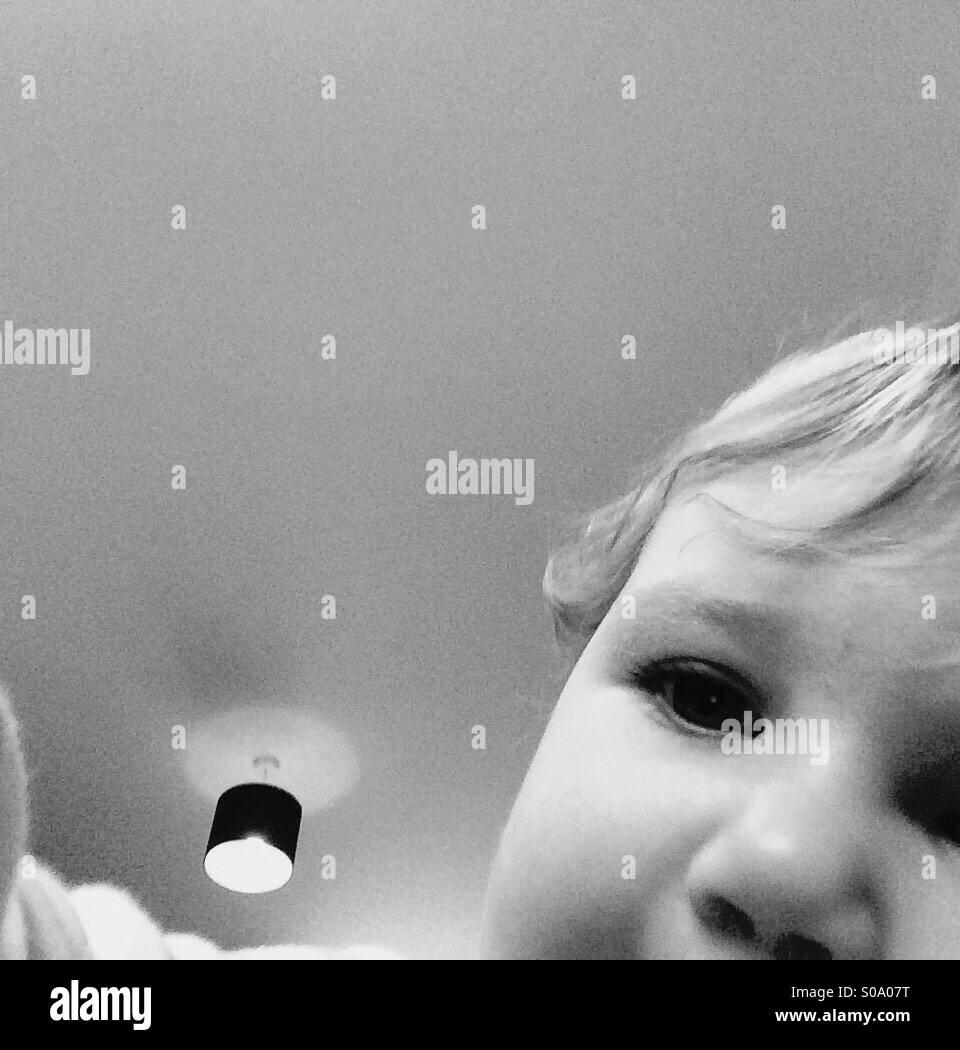 Photobomb baby Stockbild