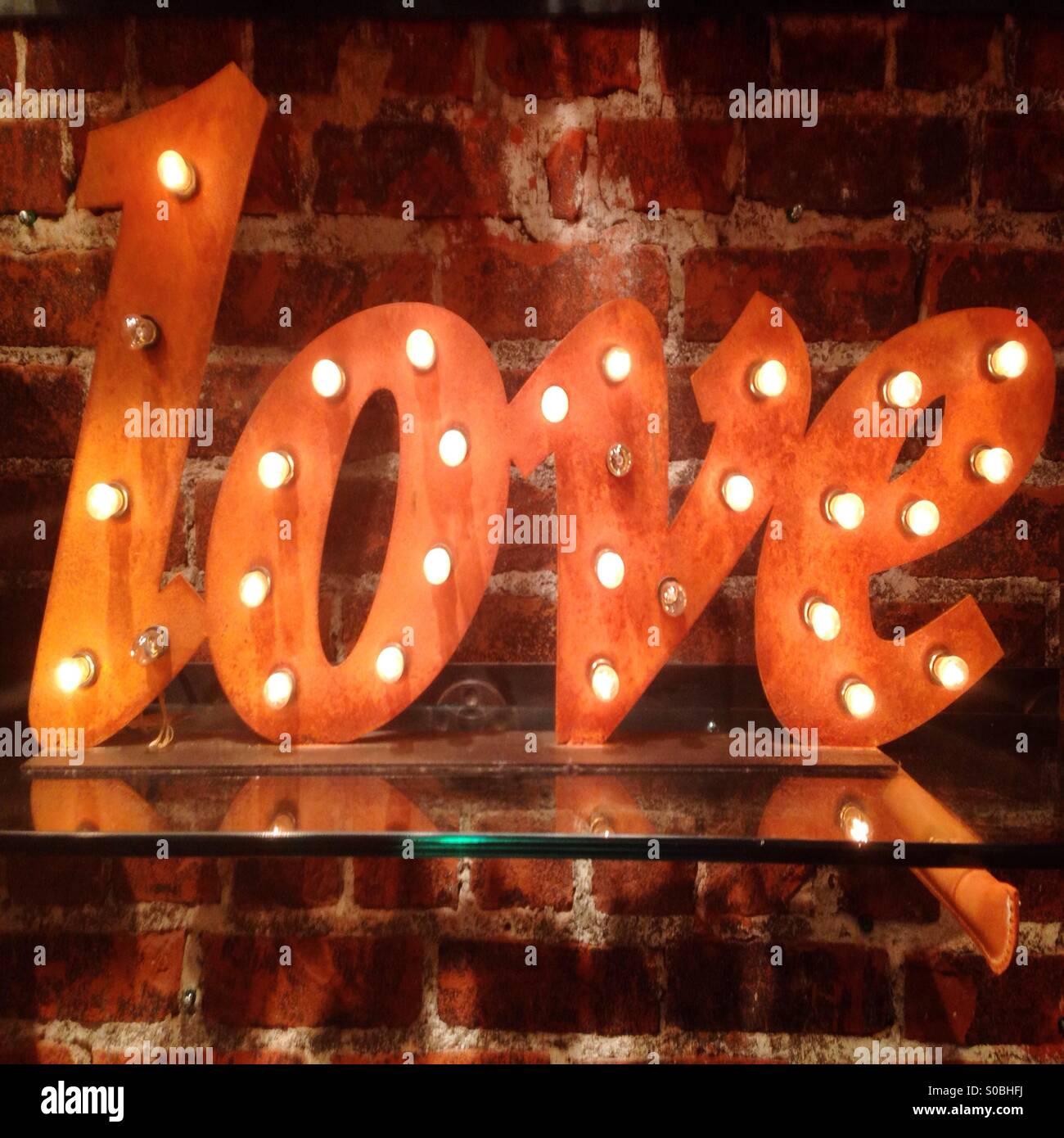 Liebe Leuchtreklame Stockbild
