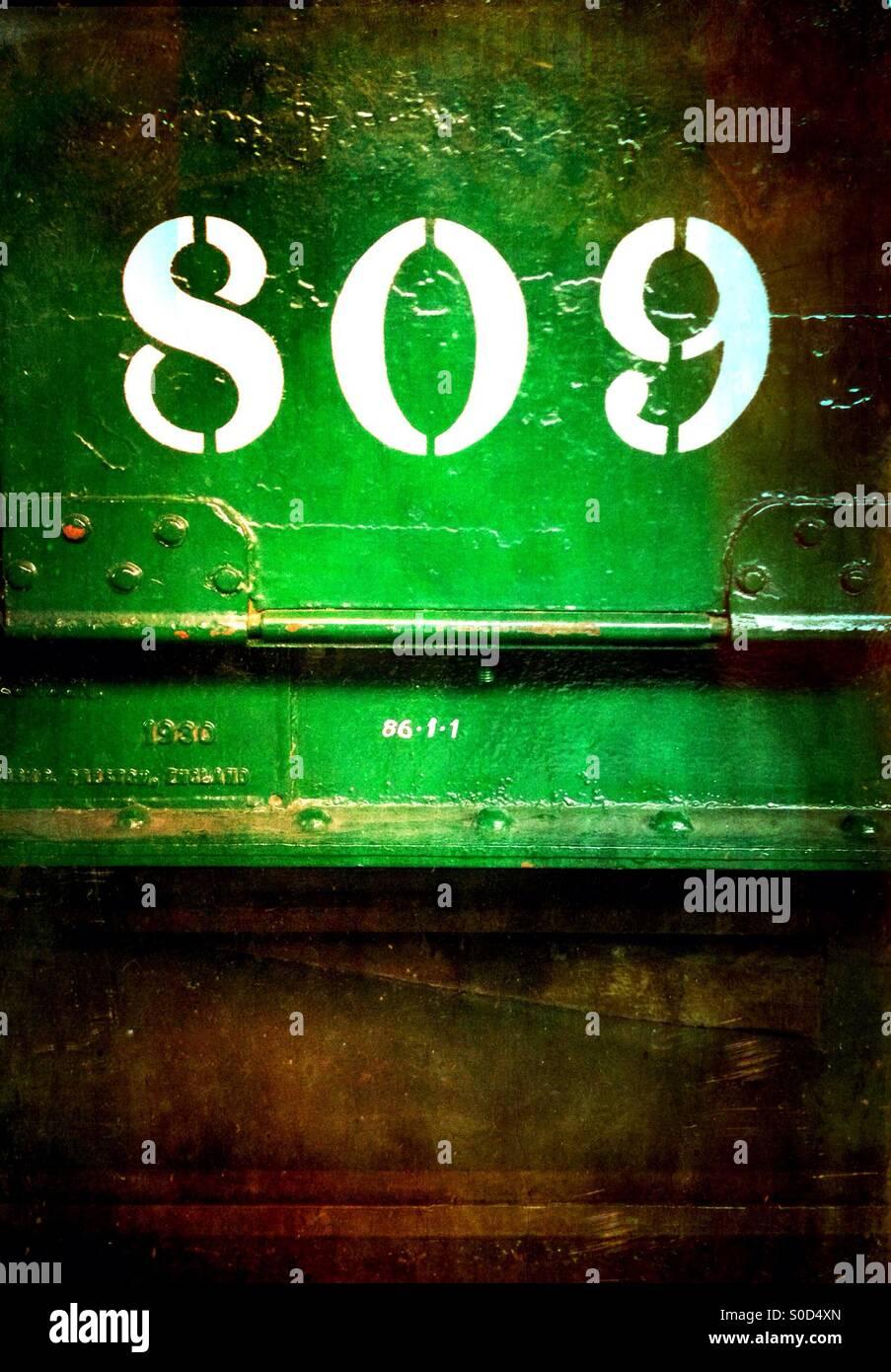 """Grünen Zug Wagen mit der Nummer """"809"""" übertragen auf Stockbild"""
