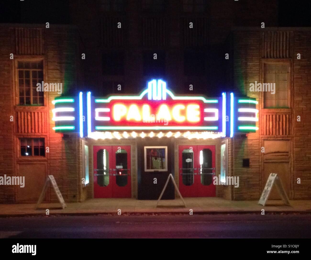 Schlosstheater in der Nacht Stockbild