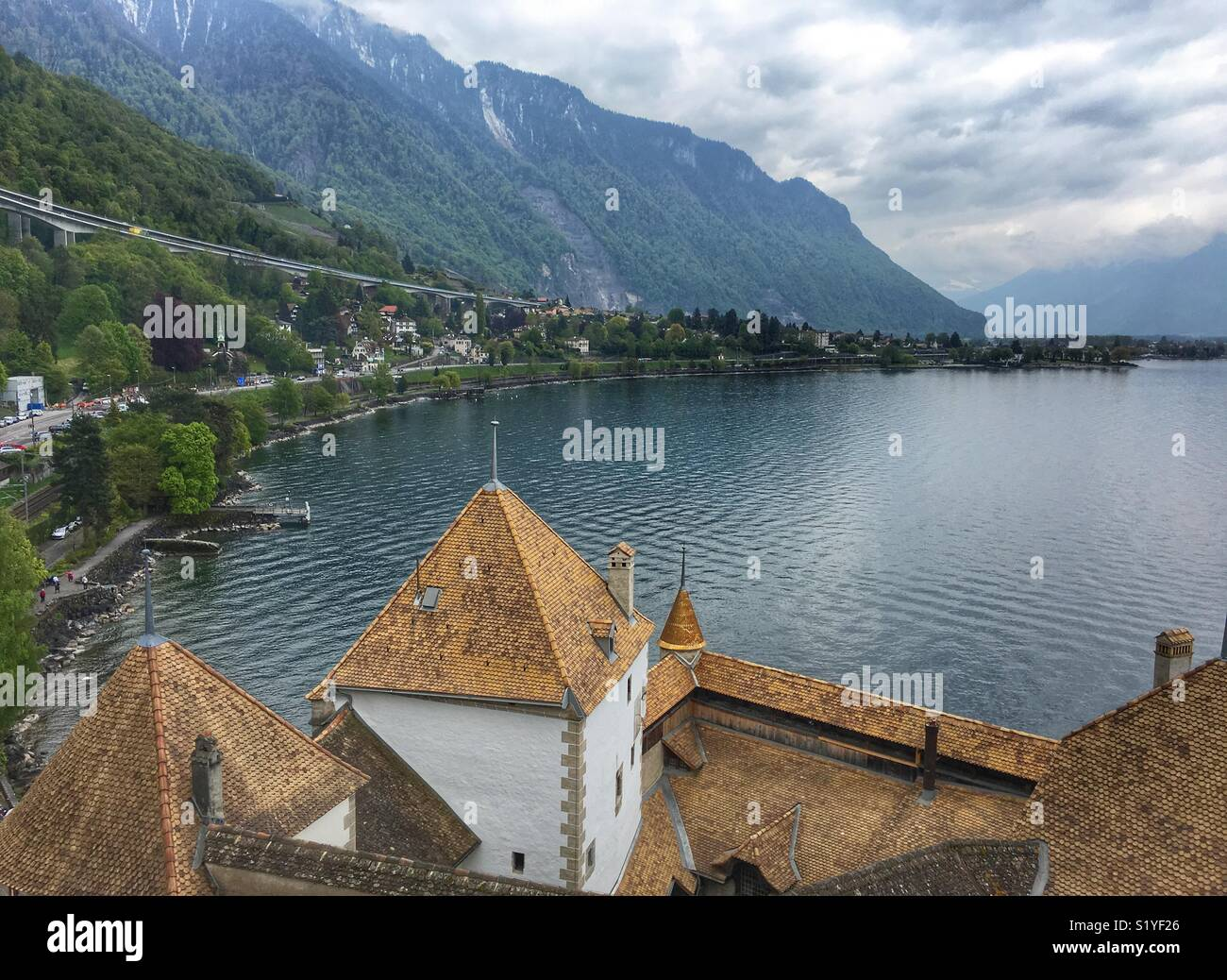 Seeblick in Montreux Stockbild