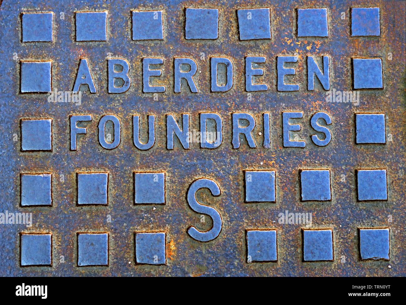 Dieses Stockfoto: Aberdeen Foundaries Gusseisen Schachtdeckel, Stadtzentrum, Aberdeen, Schottland, Großbritannien - TRN0YT