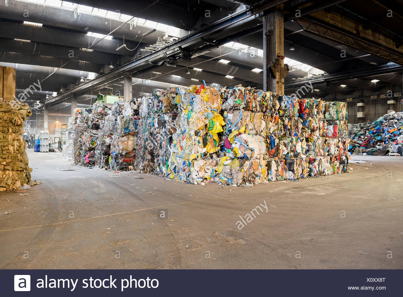 Sortierte und Ballen Müll, recycling Stockbild