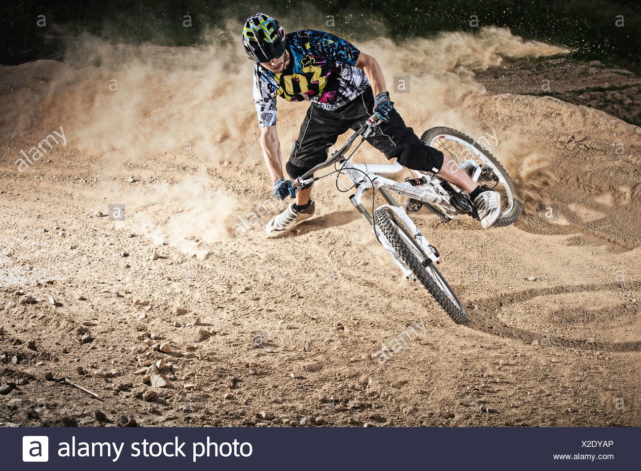 Dirt-Biker Reiten auf Pfad Stockbild