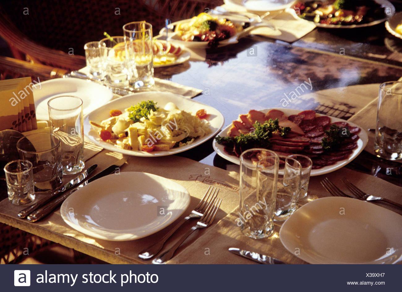 Ukraine, Odessa, Tisch im Restaurant, Einstellung Nahaufnahme Stockbild