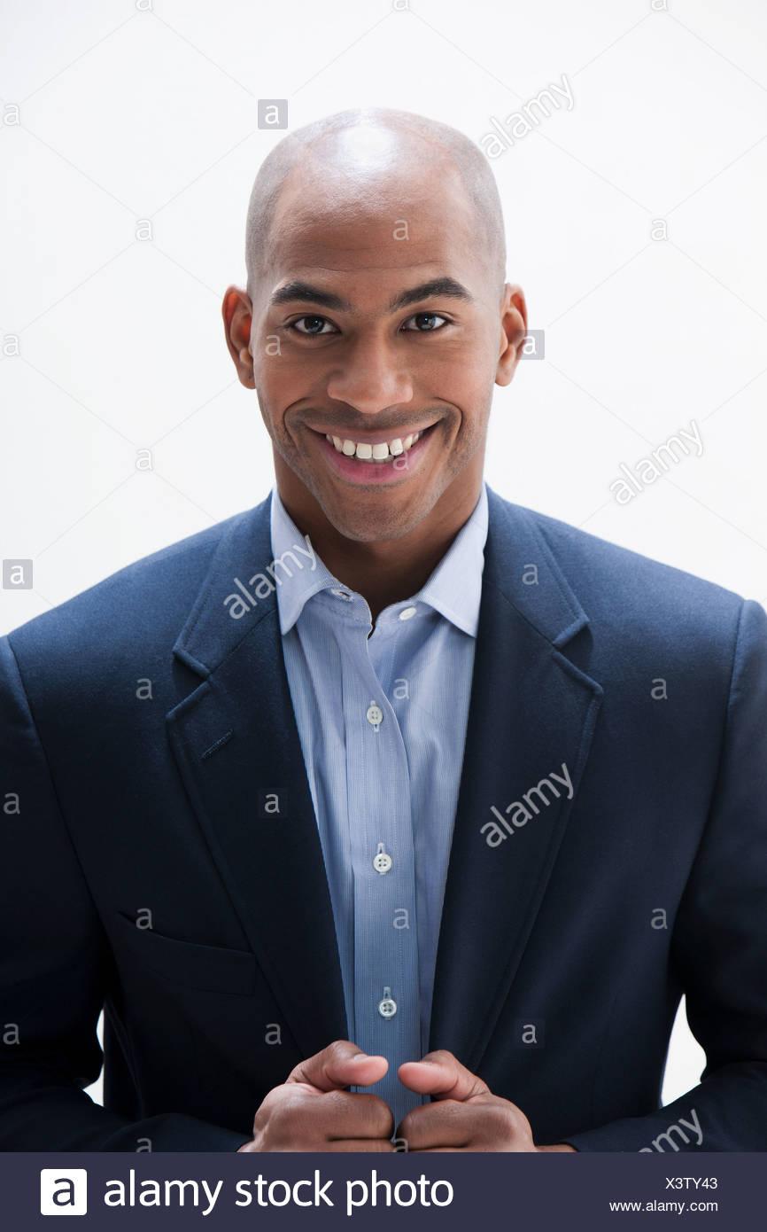 Porträt des afroamerikanischen Menschen, Studio gedreht Stockbild