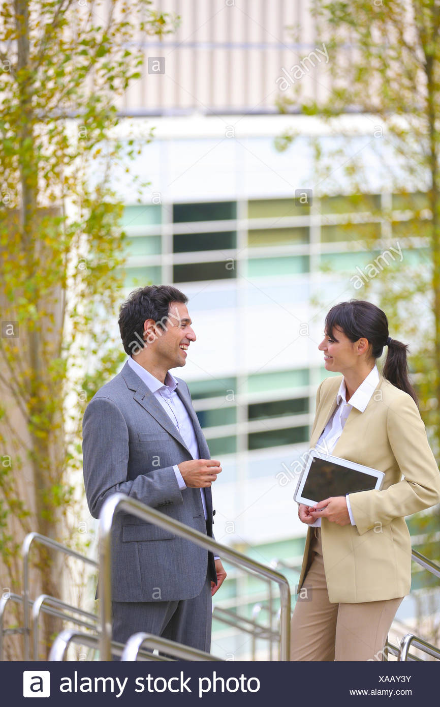 30 bis 40 Jahre alte 30-35 30-35 Jahre 30-40 30 35-40 35-40 Jahre Erwachsene Baskenland Business Business center, Geschäftsmann Stockbild