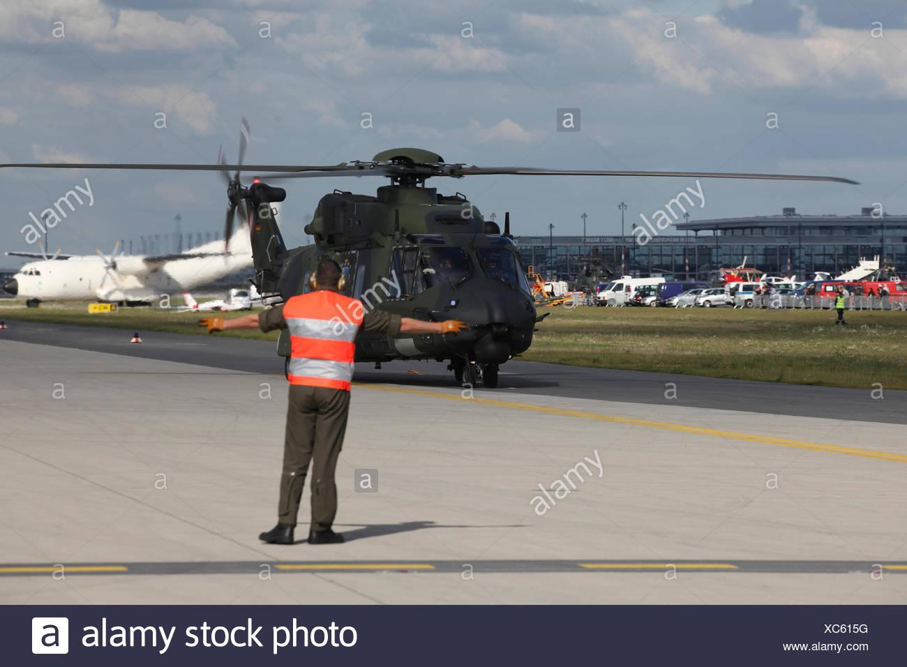 Einen deutschen militärischen Hubschrauberlandeplätze, ILA Berlin Air Show, Berlin Stockbild