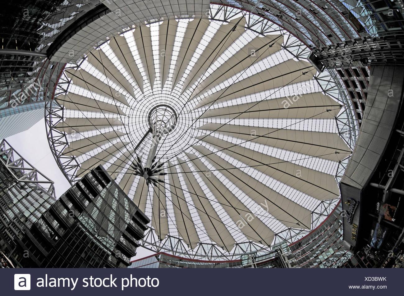 Dach des Sony-Centers auf der Potsdamer Platz, Berlin Stockbild