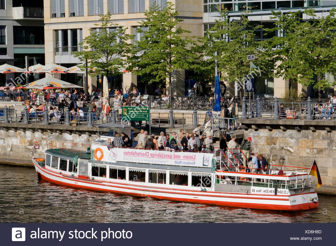 Cruise, Steg am Berliner Dom, Berlin, Deutschland, Europa Stockbild