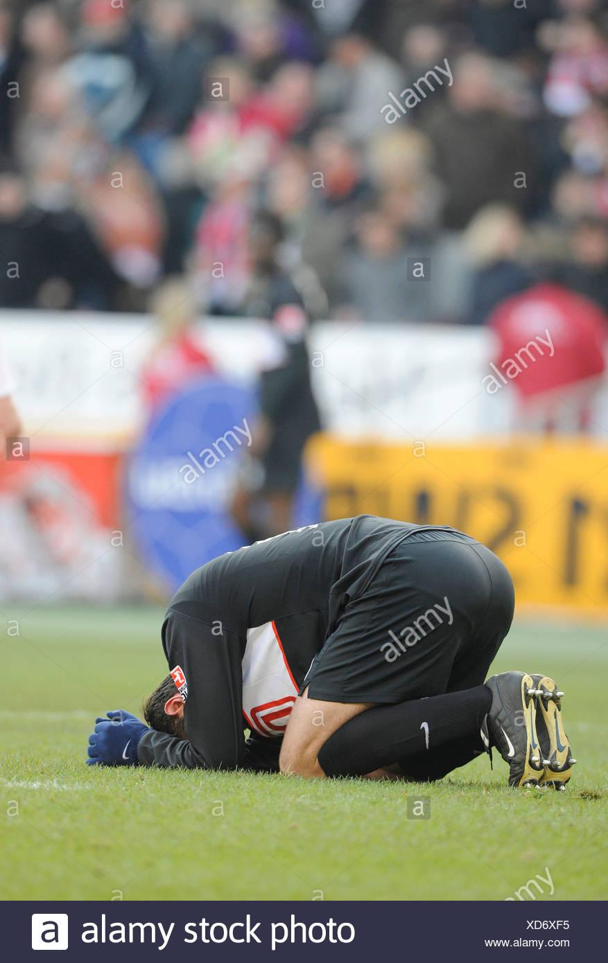 Josip SIMUNIC, Hertha BSC Berlin, auf dem Boden, enttäuscht Stockbild