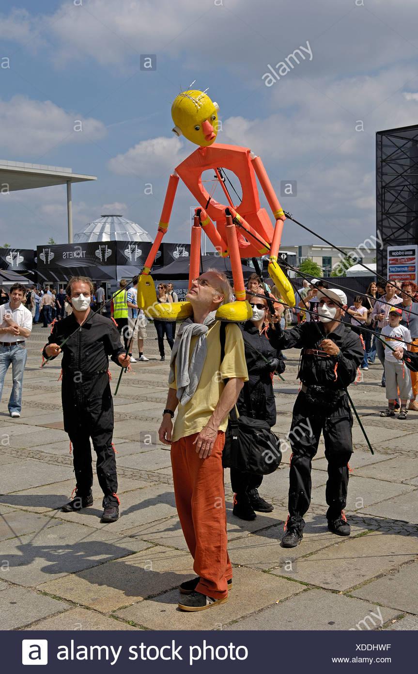 Jongleure und Touristen in Berlin, Deutschland Stockbild