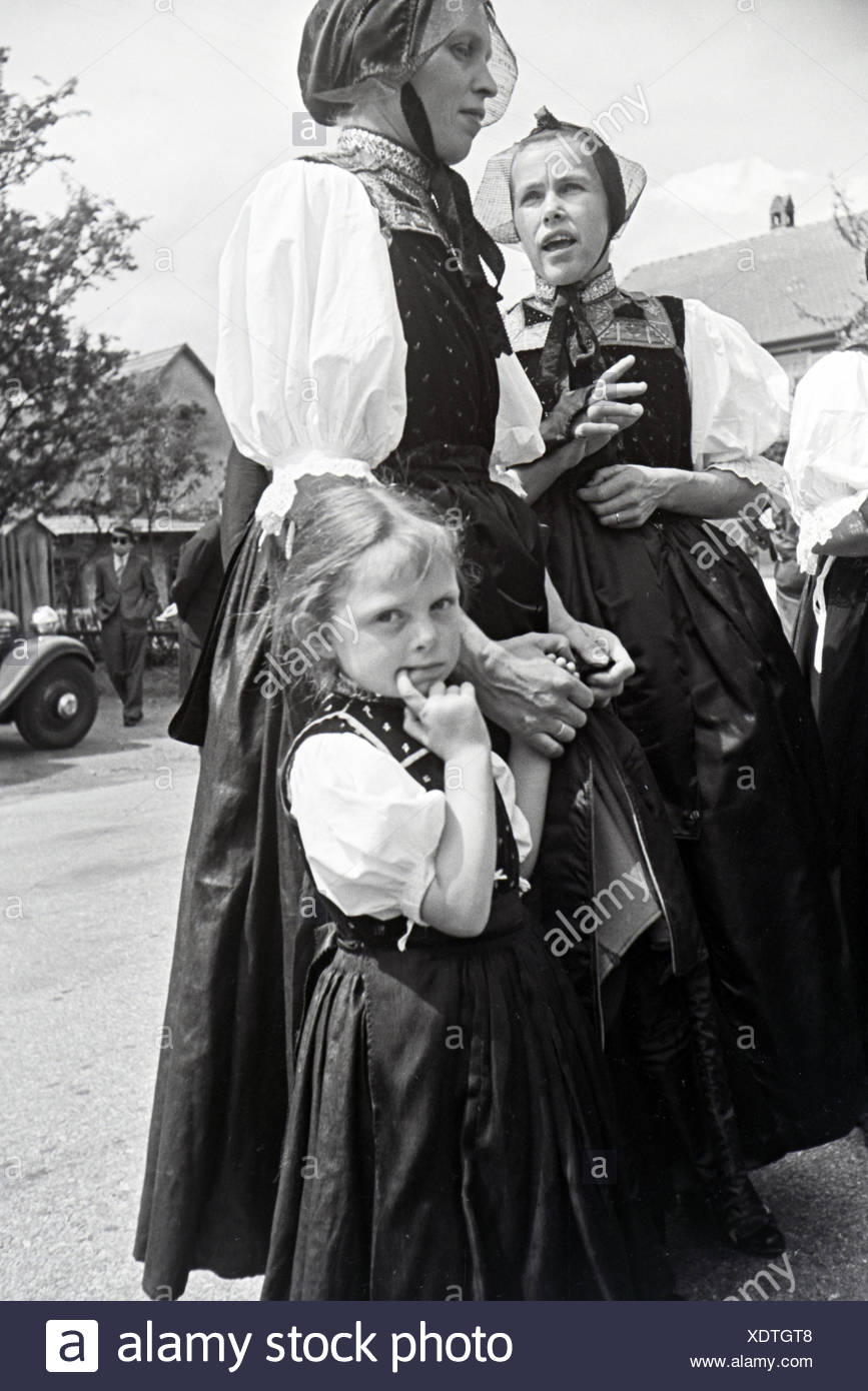 Ein Ausflug in Den Schwarzwald, 1930er Jahre Deutsches Reich. Ein Ausflug in den Schwarzwald, Deutschland der 1930er Jahre Stockbild