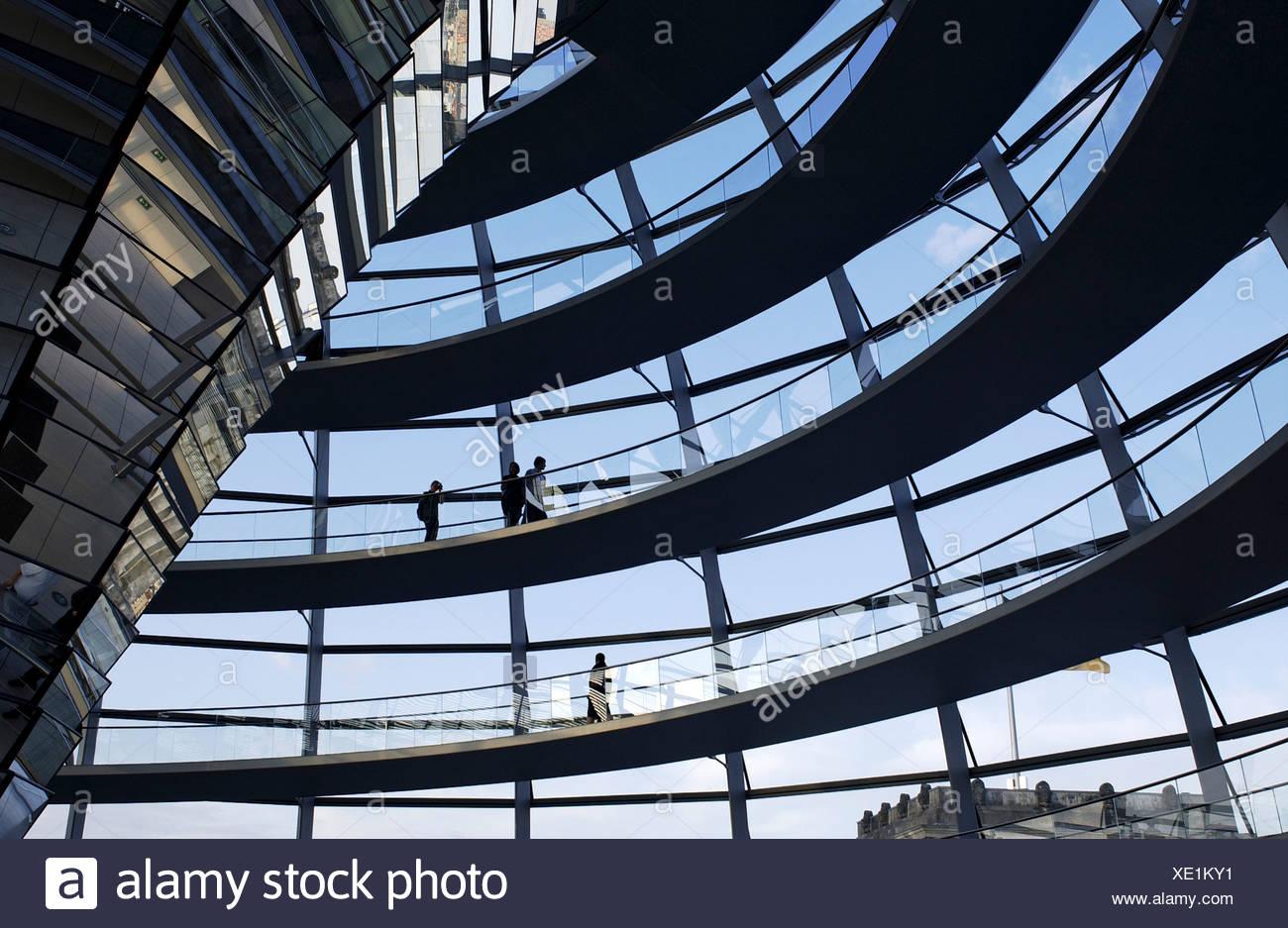 Kuppel des Reichstags von innen Stockbild