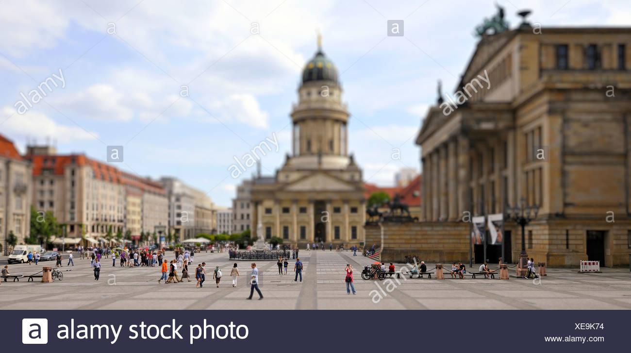 Französischen Dom, Schinkelbau Concert Hall, Touristen, nutzen die Tilt-Shift-Effekt, eine Miniatur-Szene zu simulieren Stockbild