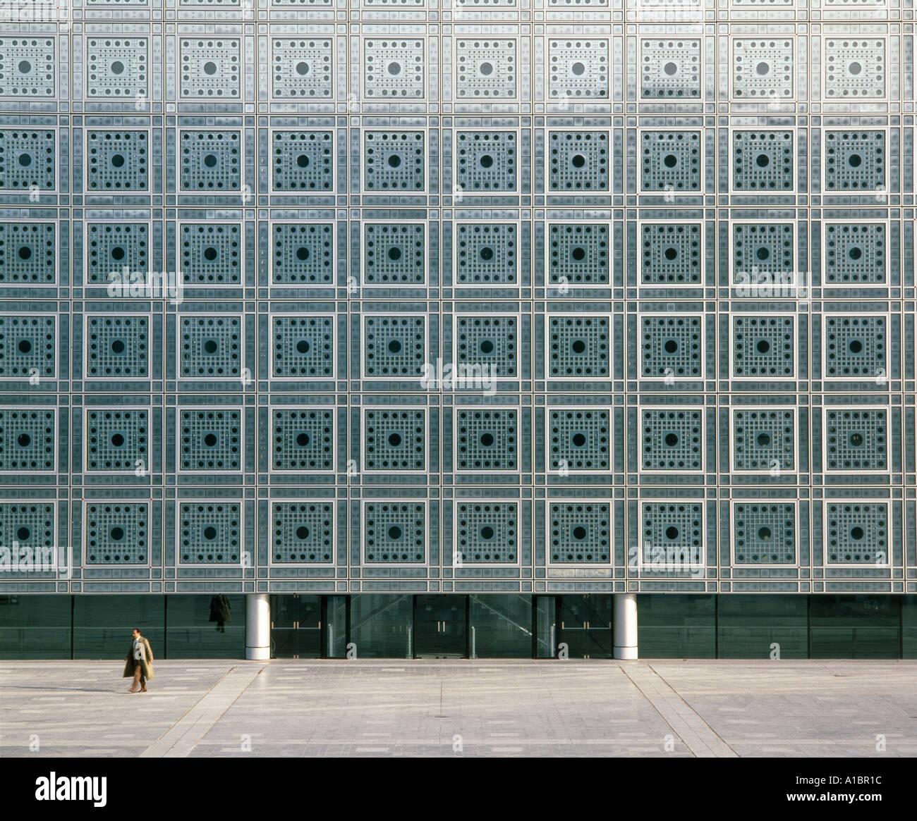 Institut du Monde Arabe, la fachada sur, París, 1987. Pantallas de ventana fotosensible. Arquitecto: Jean Nouvel Imagen De Stock