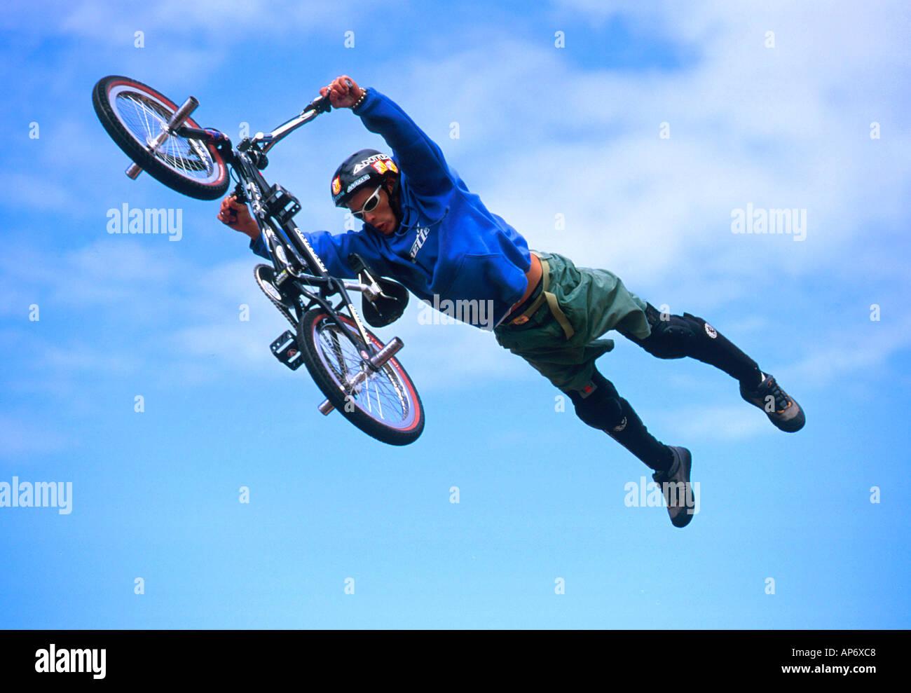 Mid Air Bmx Stunt Accion Al Mundo De Los Juegos Extremos Melbourne
