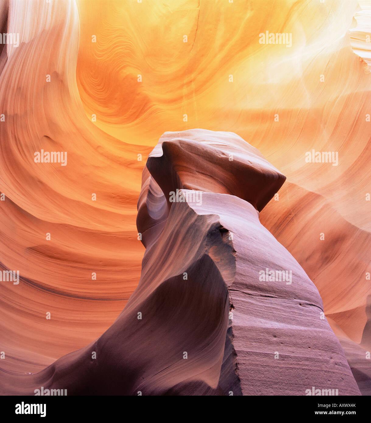 Pilar de piedra en Thin Lizy Canyon, una ranura canyon, en Arizona, Estados Unidos de América (EE.UU.), América Imagen De Stock