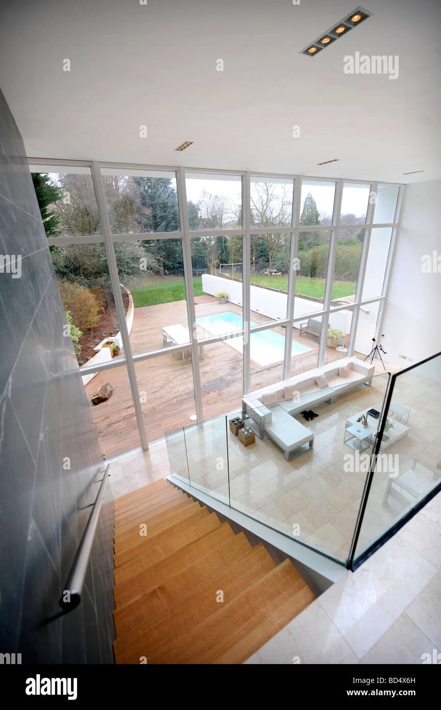 La CASA AZUL EN EL PARQUE SNEYD BRISTOL como destacados en el canal cuatro grandes designios UK Imagen De Stock