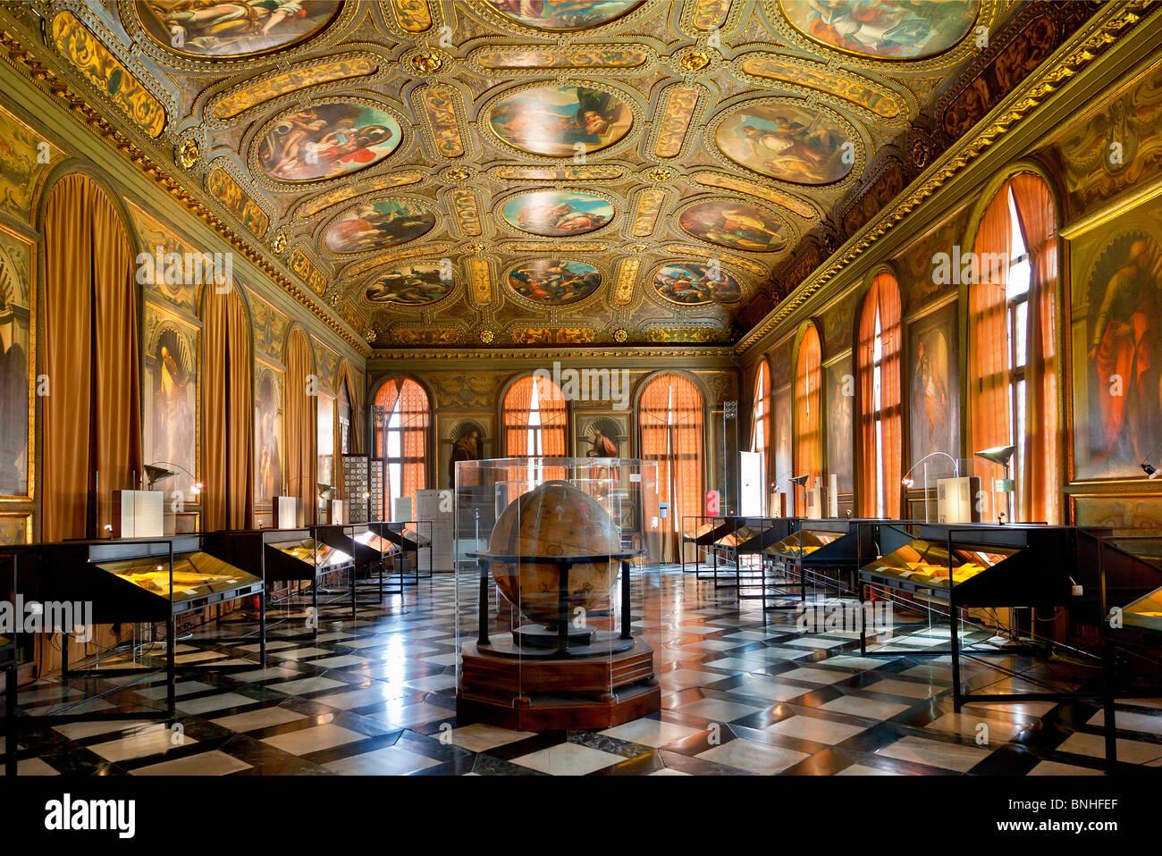Museo Correr Imágenes De Stock & Museo Correr Fotos De Stock - Alamy