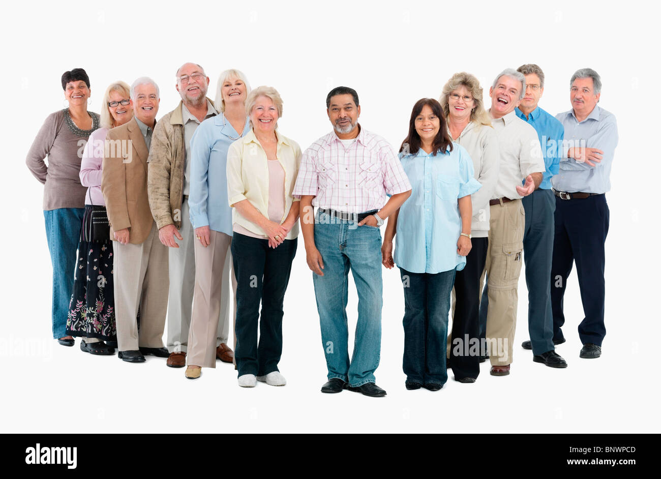 un grupo de personas de pie en una fila foto imagen de stock