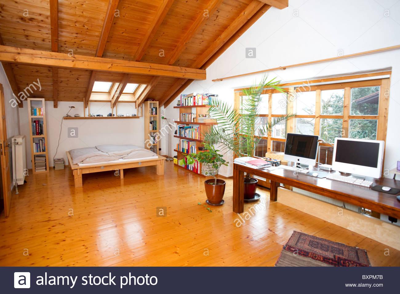 Casa Tipica De Baviera Alemania Meridional Salon Con Cama Y Piso
